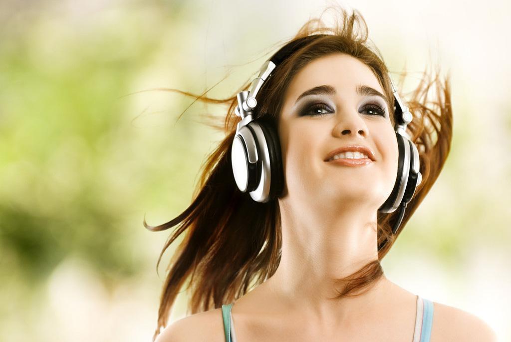 Şarkı Dinleyerek İngilizce Öğrenmek Mümkün Mü?